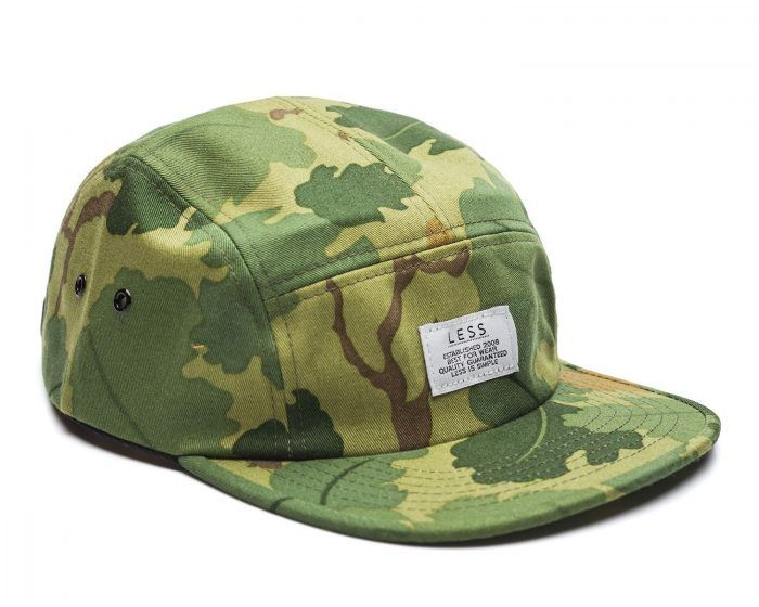 zdjęcia packshot czapek Less